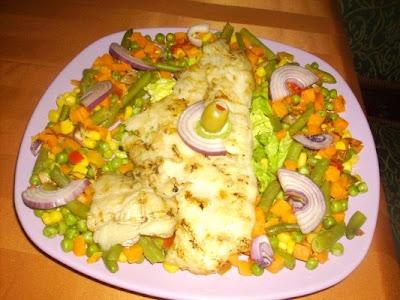 Articole culinare : File de Pangasius pe grill cu amestec de legume
