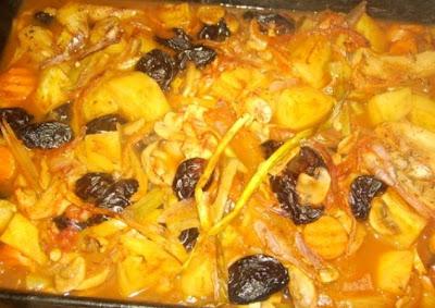 Articole culinare : Mancare de Prune uscate cu/ fara carne