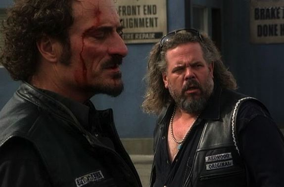 SONS OF ANARCHY ( Série TV )  - Page 2 Sons-of-anarchy-service