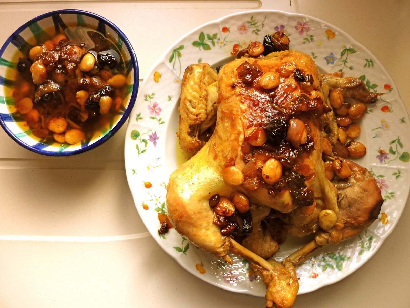alsol cocinando pollo al curry con almendras y pasas por