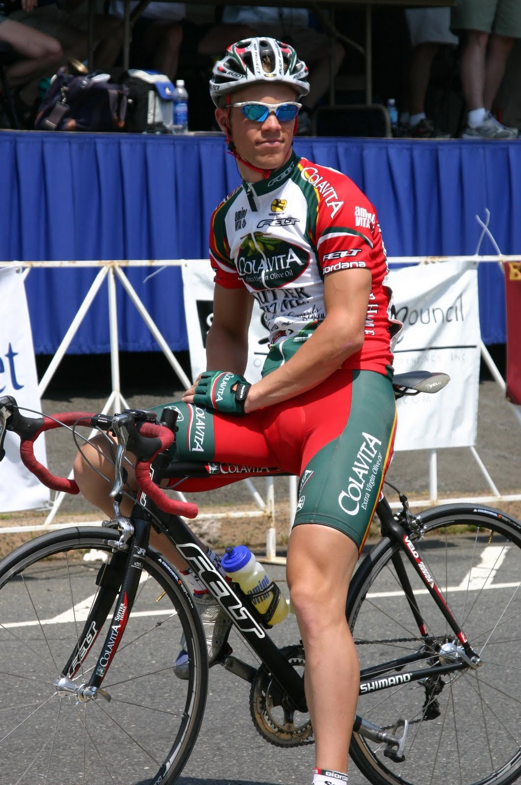 Male cyclist bulge