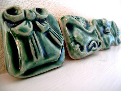 ceramic christmas present tiles