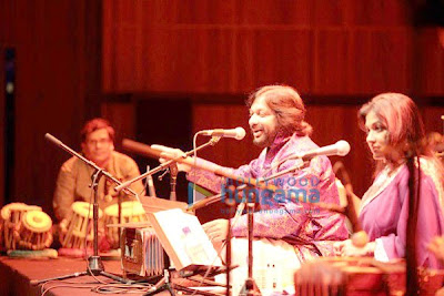 Roop Kumar Rathod And Sonali Perform Live London