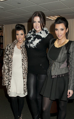 Kim, Kourtney and Khloe Kardashian out at Barnes & Noble