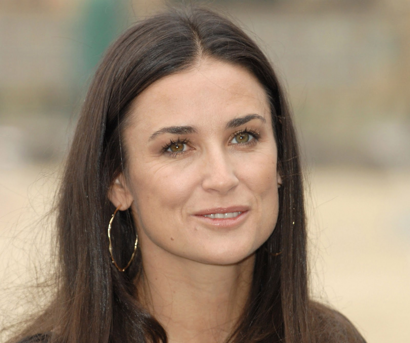 Demi mooredemi guynes kutcher (born november 11, 1962), known professionally as demi moore, is an american actress