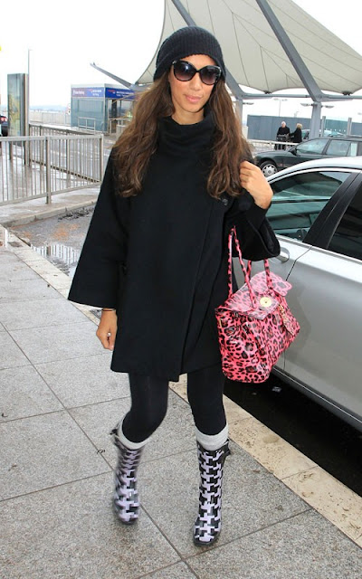 Leona Lewis making her way through Heathrow Airport