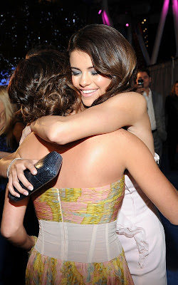 Selena Gomezaddress on Wallpaper World  Selena Gomez At The 2011 People S Choice Awards