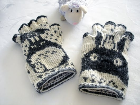 Lace And Lupins Totoro Fingerless Gloves Finished