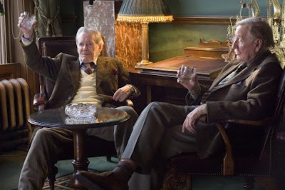 Peter O'Toole and Leslie Phillips enjoy a whiskey in Venus