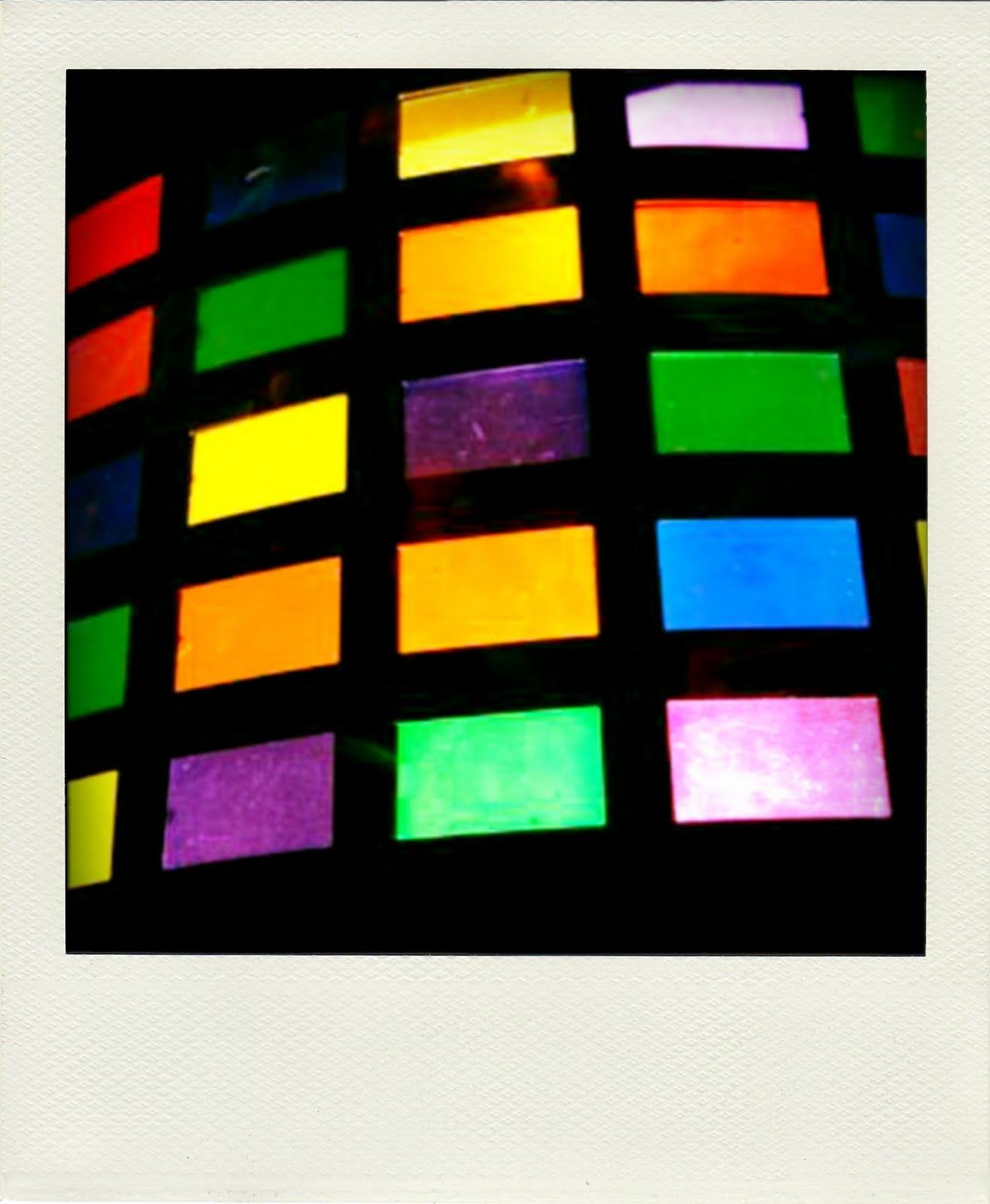 http://1.bp.blogspot.com/_0OABEPOmeKY/TNKaikxubeI/AAAAAAAAAqk/s4EIwGKkCJQ/s1600/%27All+Of+The+Lights%27+kanye,+rihanna,+elton+john,+josual+molou.jpg