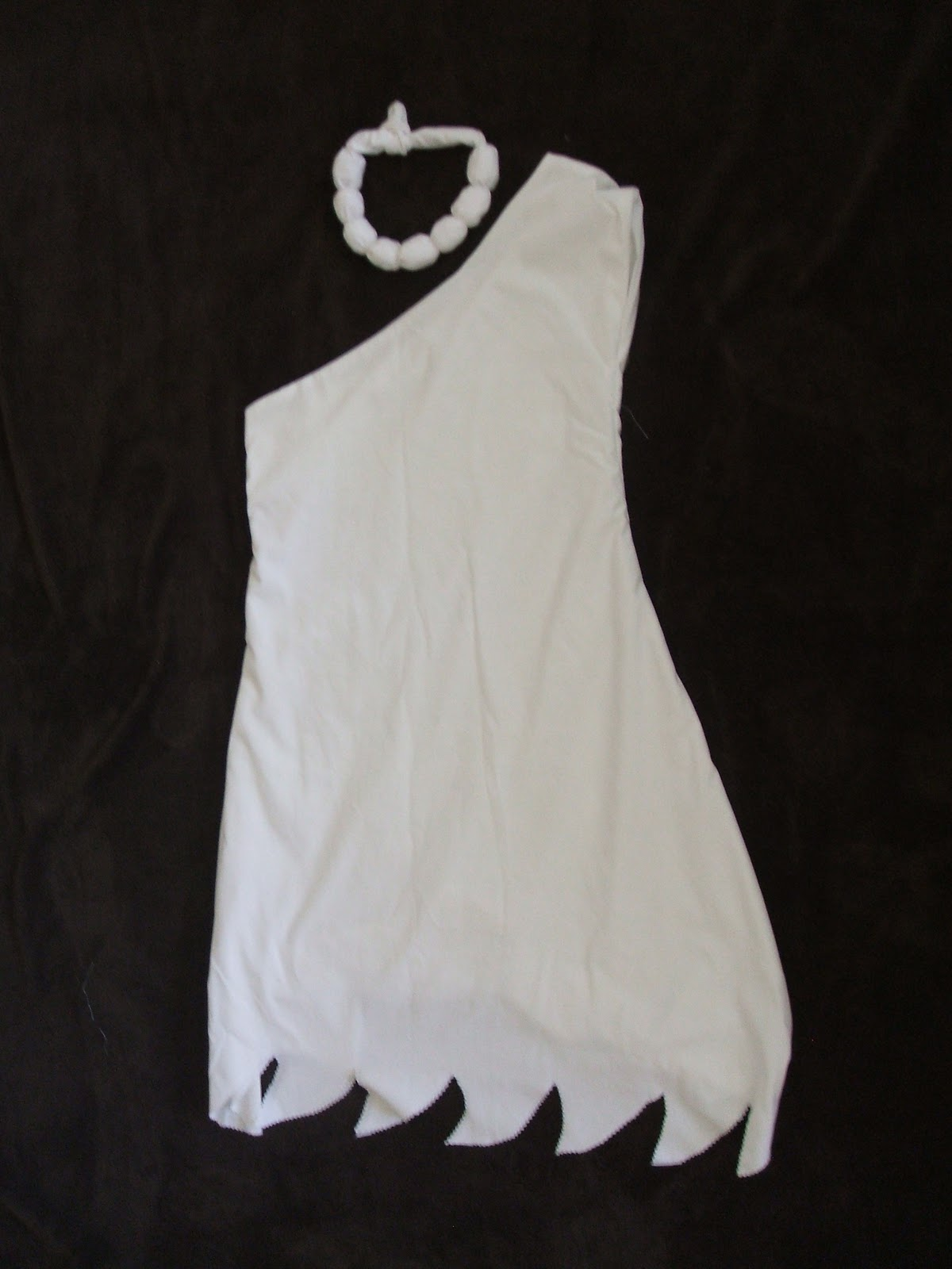 wilma flintstone costume tutorial peek a boo pages patterns fabric more. Black Bedroom Furniture Sets. Home Design Ideas