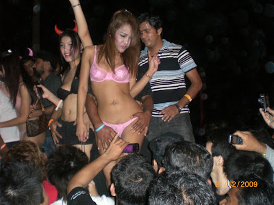 Asian girl molest