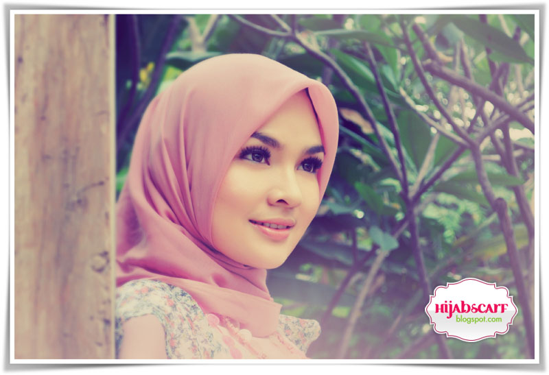 Interview with Ms. Ria Miranda - Hijab Scarf