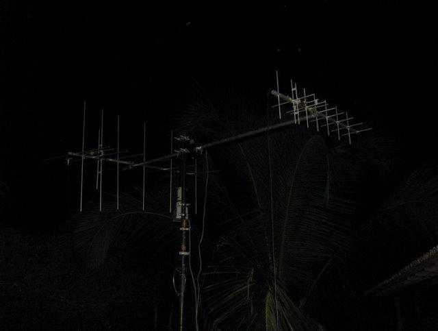 Antenas : Satelite : 144m e 70cm