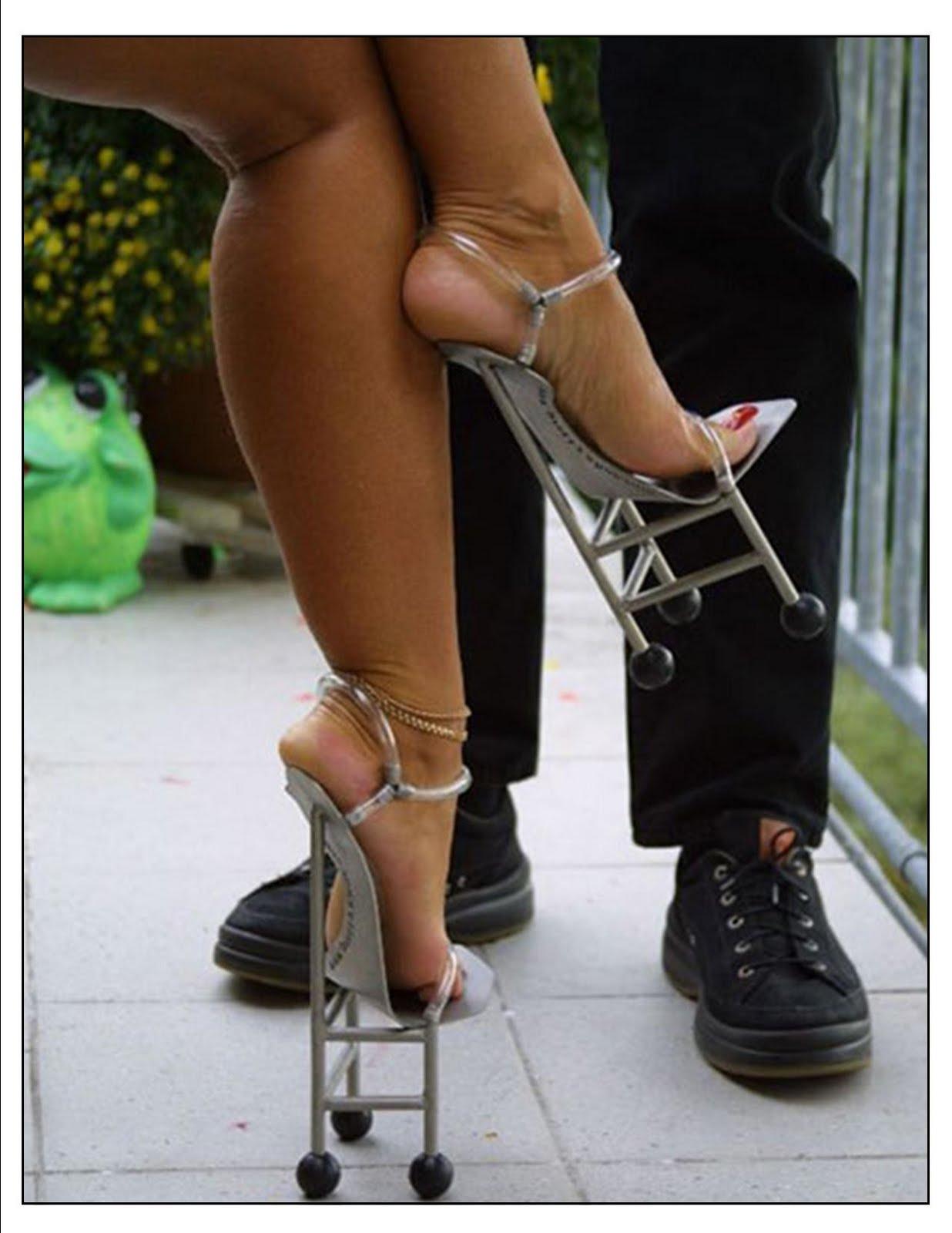 Фут фетиш девушка в кроссовках 24 фотография