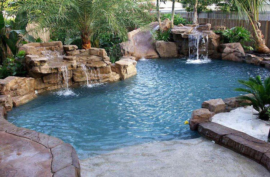 Really Cool Swimming Pools some people have some unique pools and landscapes http://www