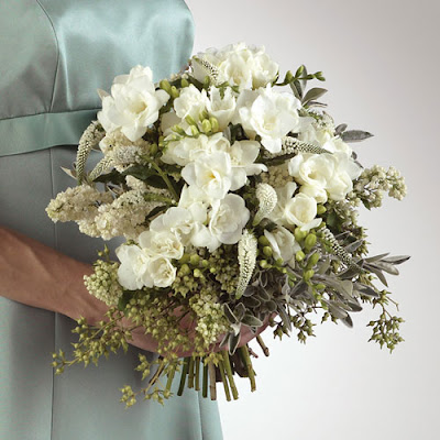 Please contact Leanne Lee Barber for all your Wedding Floral arrangements