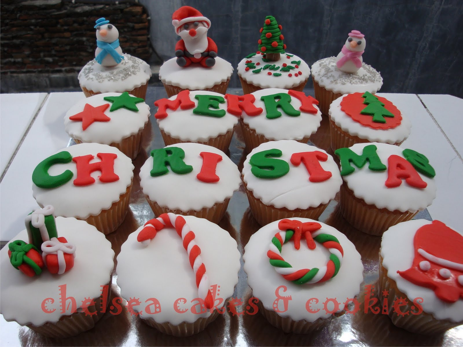 Cupcake Decorating Ideas Xmas : Christmas Cupcakes Loving Cake