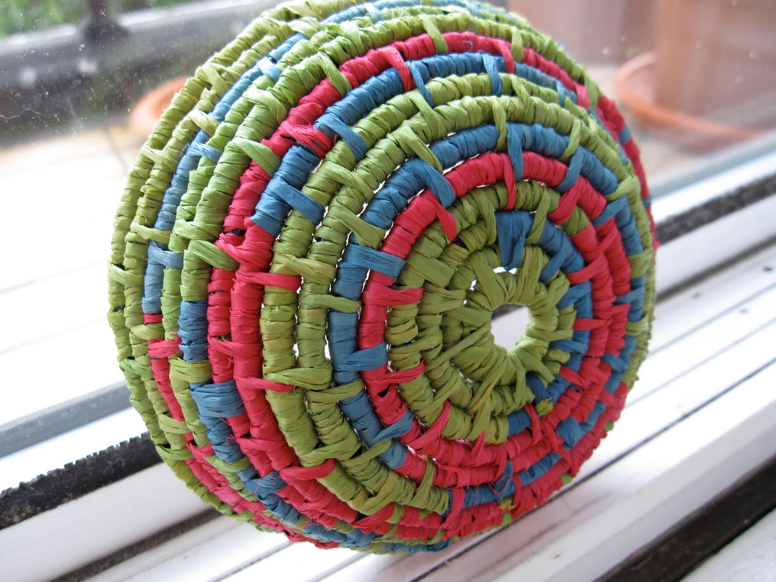 Coil Basket Weaving Patterns : Goldfinch and eagle coiled baskets