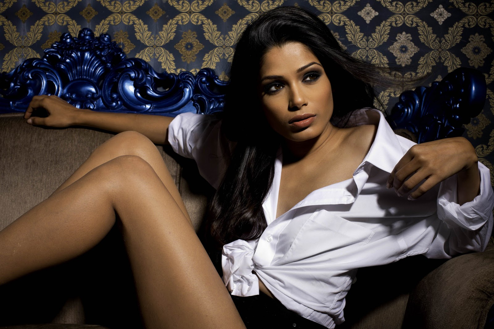 http://1.bp.blogspot.com/_0Uux8lqv9hg/TLiwQzcDXUI/AAAAAAAAA-Q/9rHYn0mACHs/s1600/Freida-Pinto-Hot-Photo-Shoot-4.jpg
