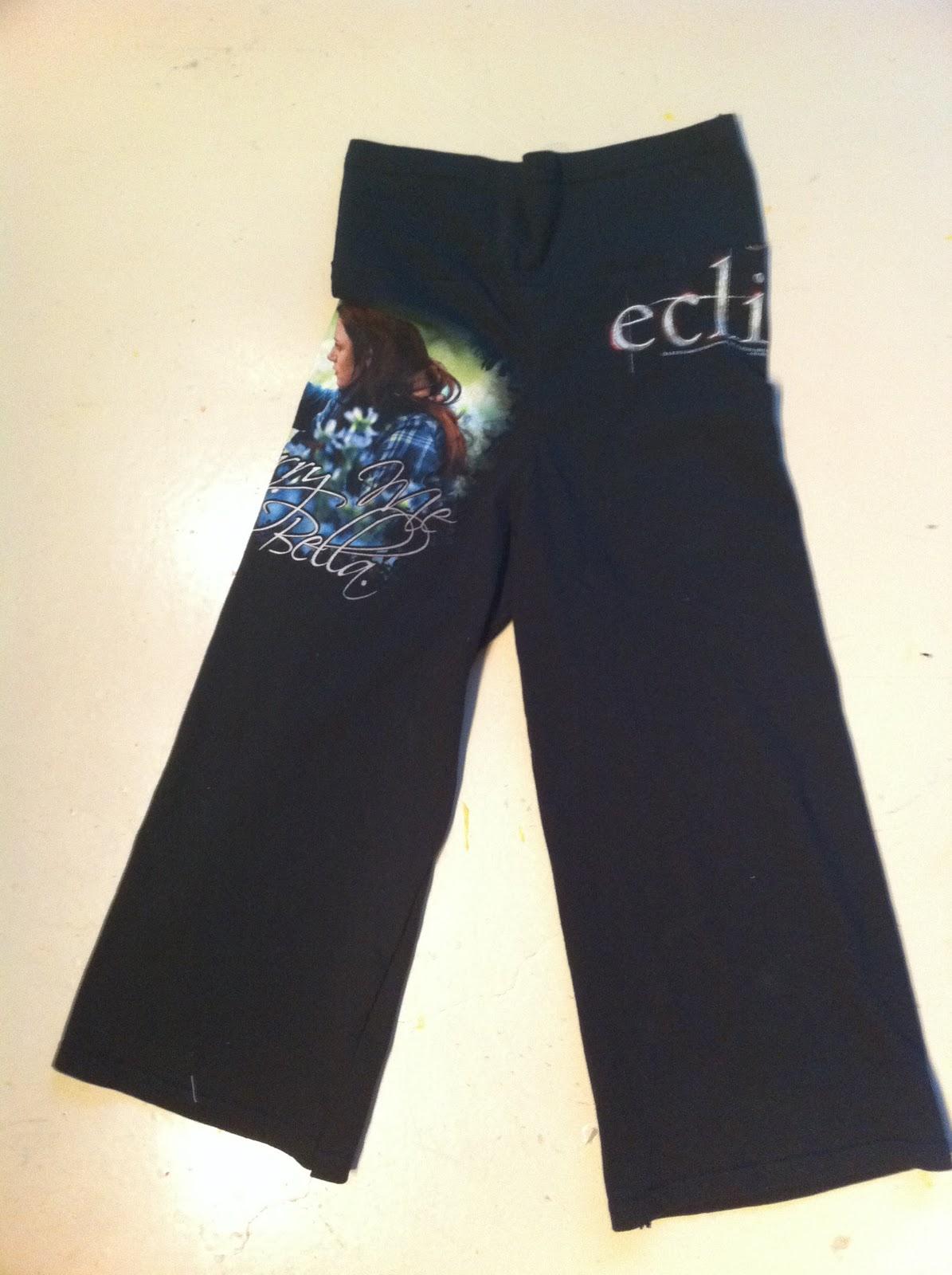 Ripped Yoga Pants Yoga pants from a t-shirt Ripped Yoga Pants Gif