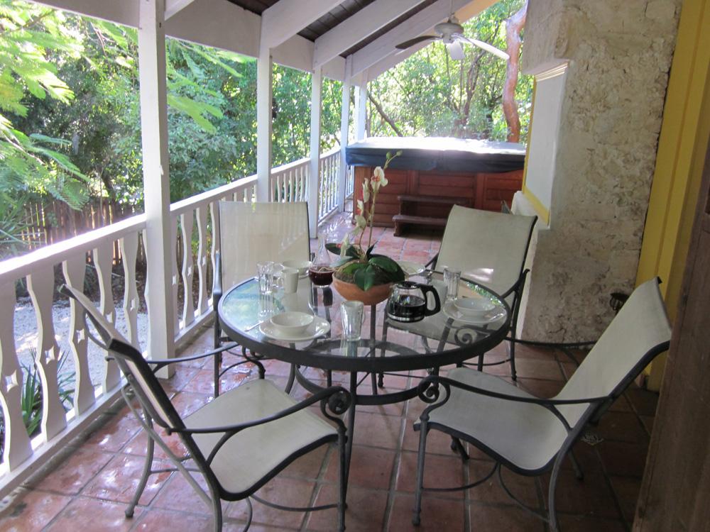 The florida keys real estate conchquistador april 2011 for 305 salon tavernier