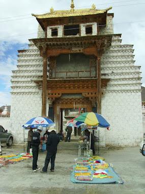 Tibet inside. Traduk Temple - King Songtsen Gampo - Yarlung