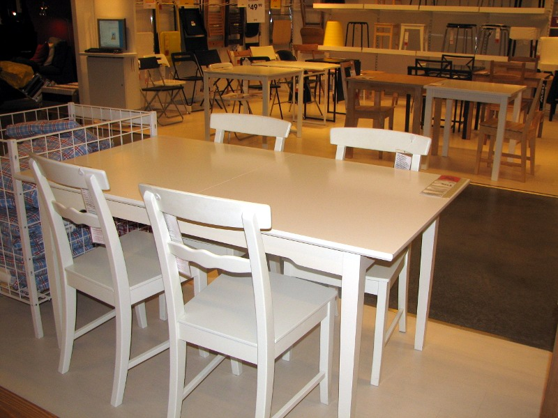 Another Set Of Table And Chairs We Liked I Like The Charming Curved