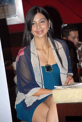 ayu azhari with her krem cd   indonesian actress