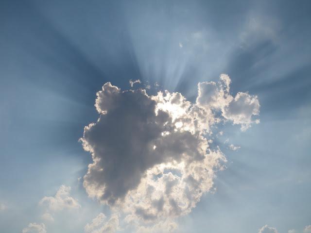 http://1.bp.blogspot.com/_0ZCyAOBrUtA/TEjWODROeBI/AAAAAAAAEBI/di3eAMsbg-U/s1600/sun-cloud.JPG
