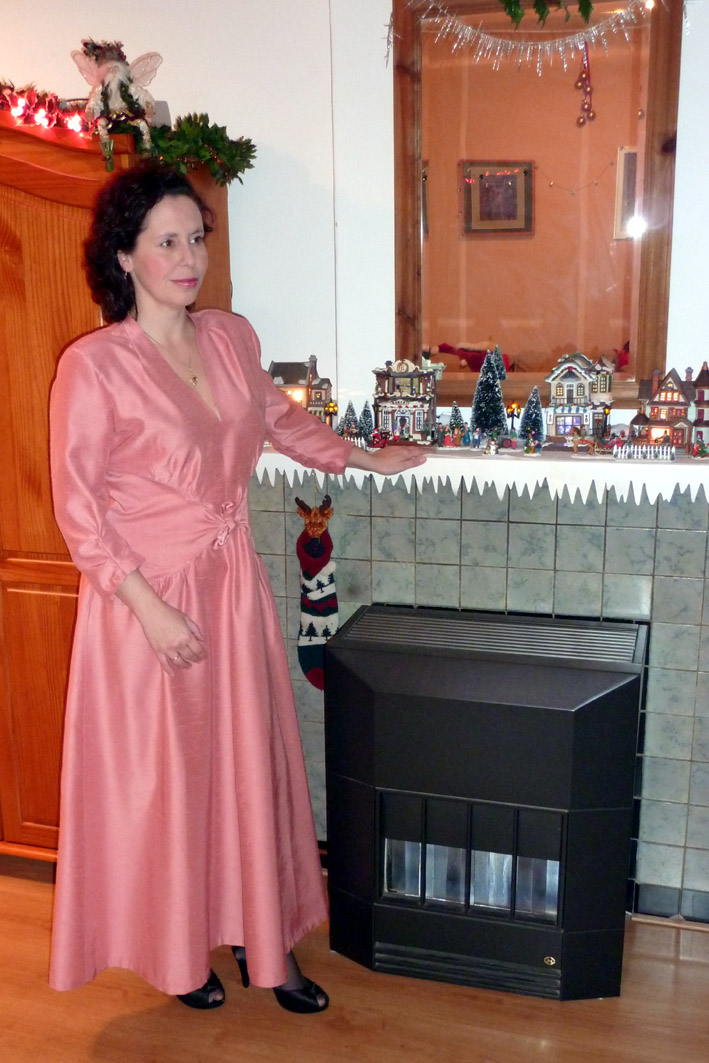 Costume Diaries: 1940's Glamour Girl Dress