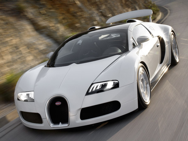 Bugatti Veyron Super Sport sets land speed record at