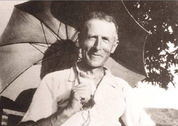 """Pierre Teilhard de Chardin, SJ (1881-1955) Sonoeuvremaîtresse """"LePhénomènehumain"""""""