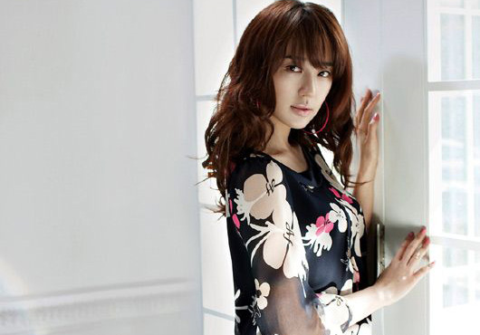 Yoon Eun Hye (윤은혜) Fashion Photoshoot