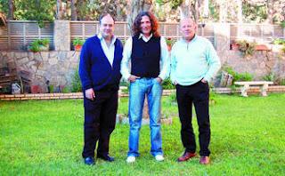 Vicente Carrillo junto a José Fernández Tomatito y Juan Miguel González, tres genios de la guitarra.