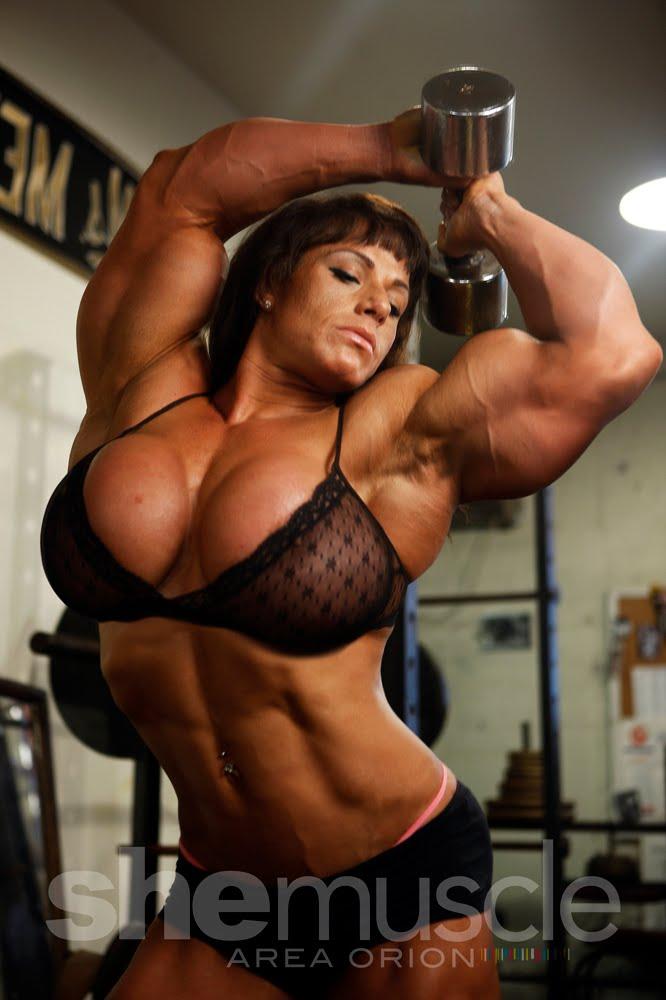 Голые сильные женщины фото