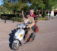 FOTOS: Una campaña electoral en moto