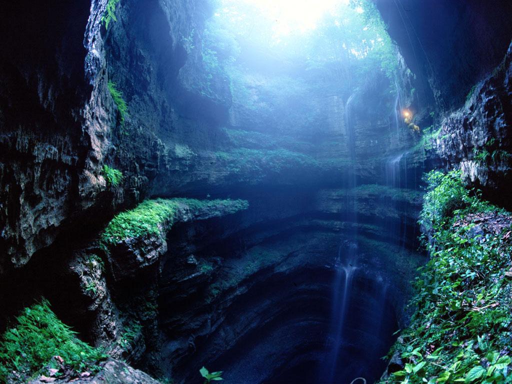 http://1.bp.blogspot.com/_0hRlkaEeEX4/TH0SX6OetnI/AAAAAAAAAAM/0D8pMuBwUEo/s1600/cascada_en_cueva.jpg