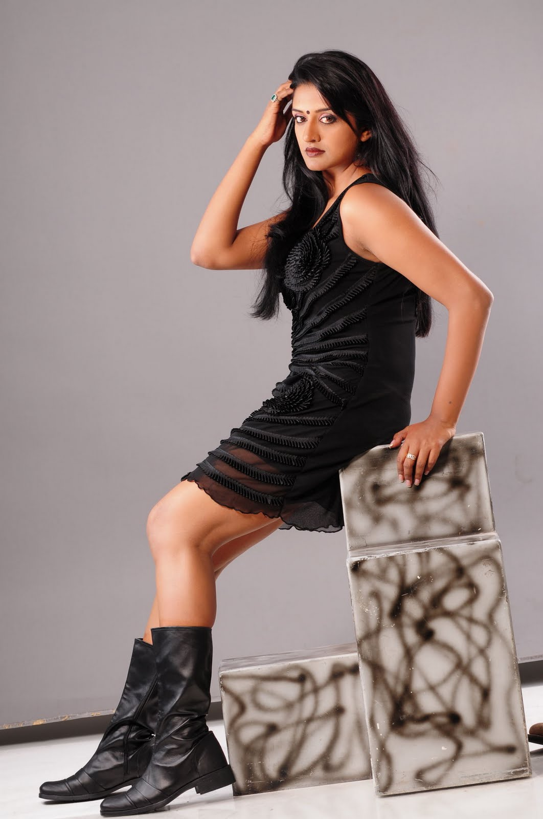 Spicy Pics of Vimala Raman in Transparent Black Short Skirt - Indian Diva