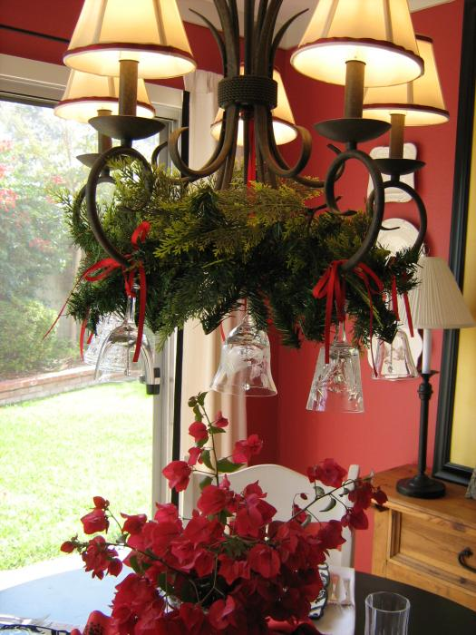 anyone can decorate creative holiday chandelier ideas. whole bunch ...