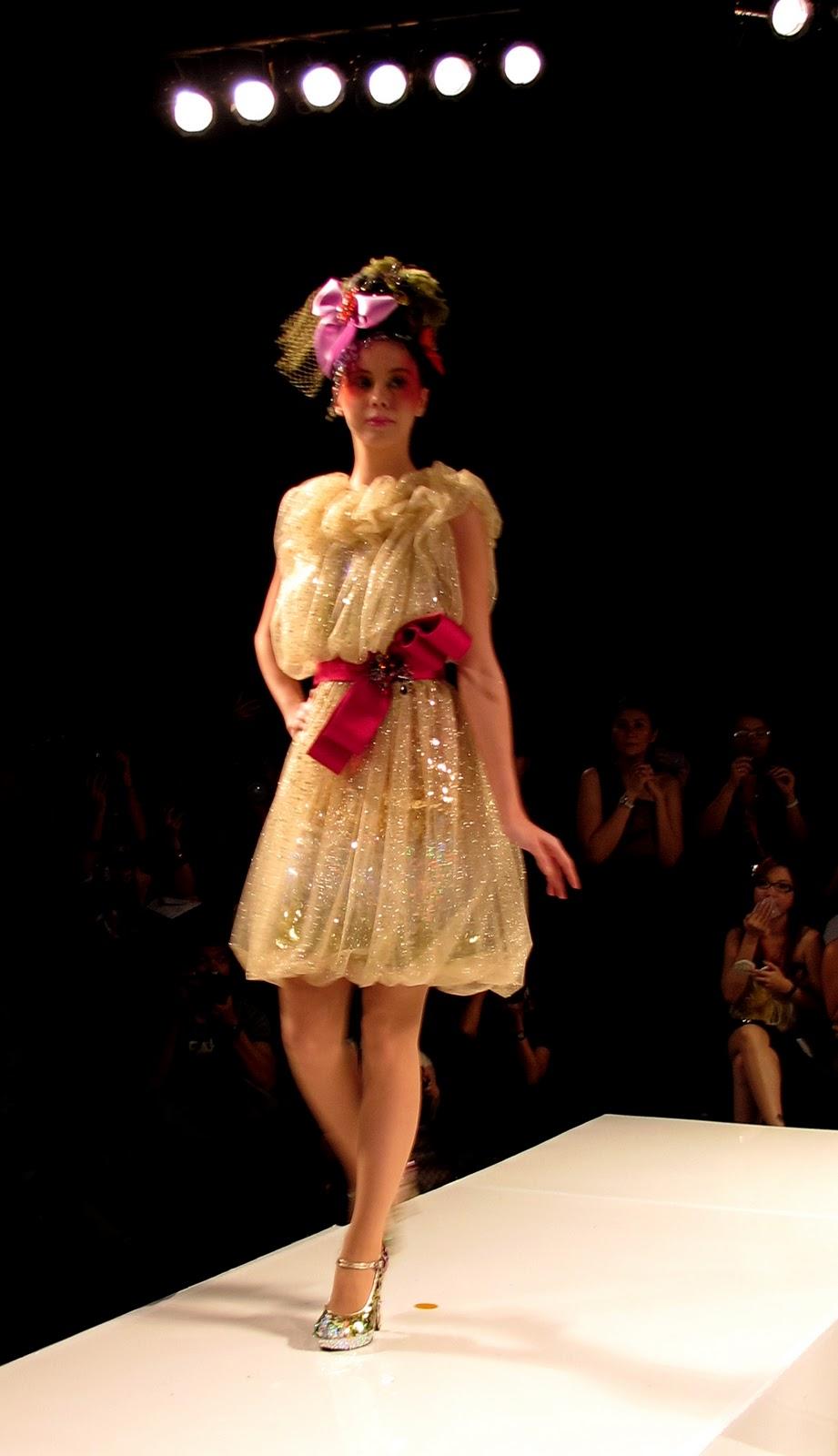 Jakarta fashion week 2018 ivan gunawan dress