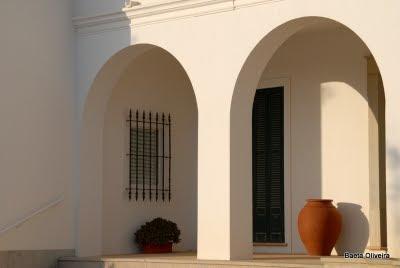Residência da família do poeta armacenense e por largos anos conservador do Registo Civil em Silves, António Pereira. Armação de Pêra, Dezembro 2009