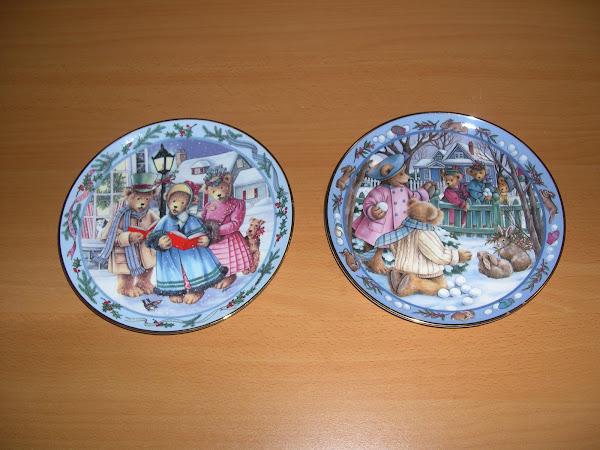 Coppia di piatti Natalizi di fine porcellana ROYAL DOULTON