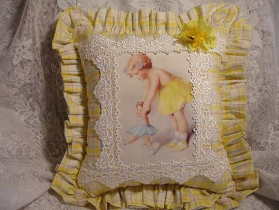 Cuscino delicato giallino