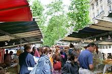 Paris: Marche Raspail Bio