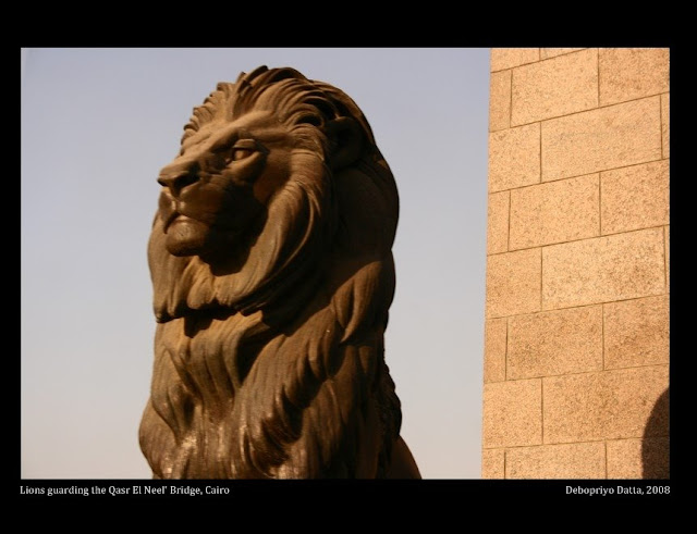 Lions guarding the Qasr El Neel' Bridge over the Nile, Cairo 2008