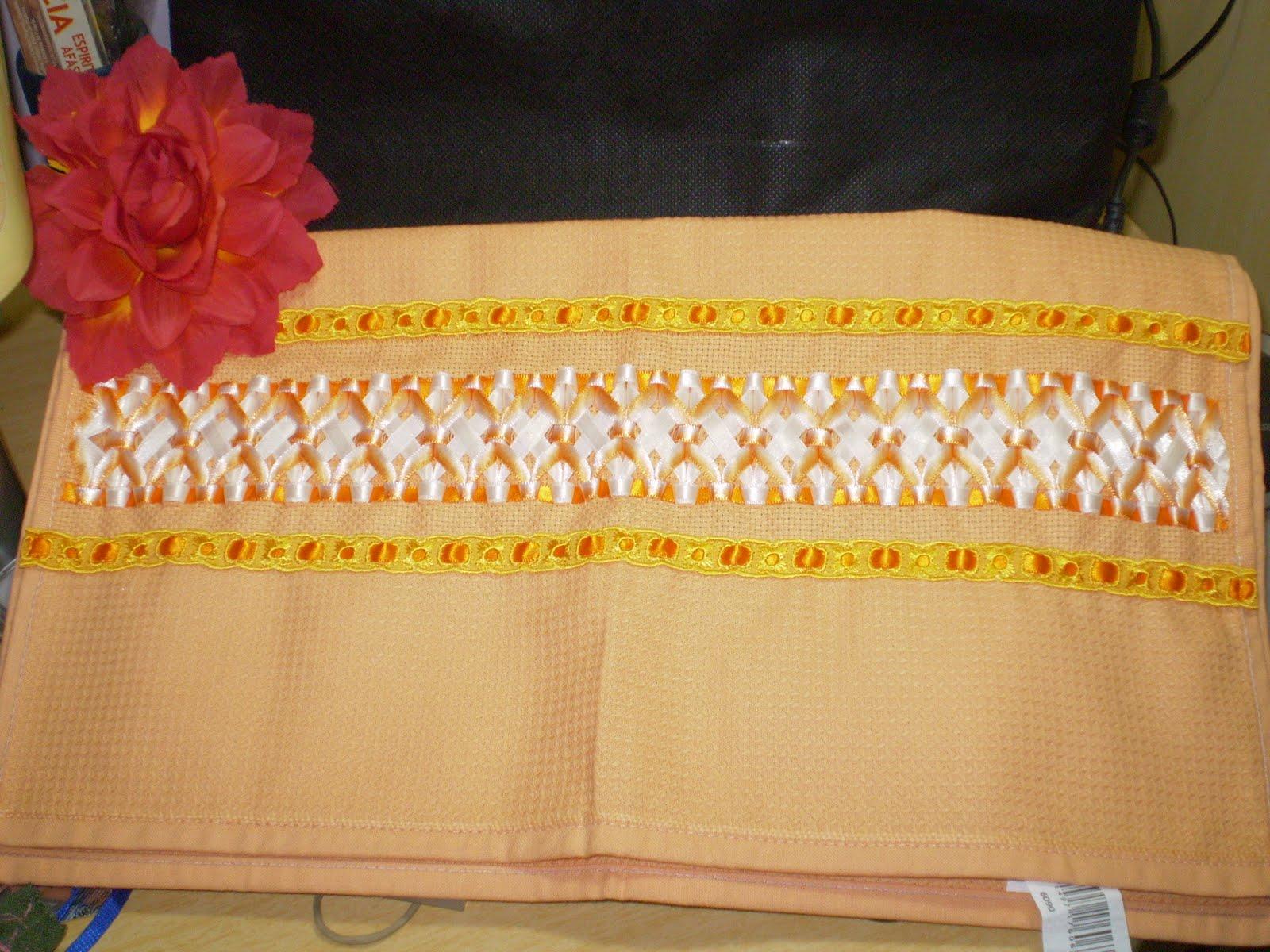 http://1.bp.blogspot.com/_0oHTZCqelVI/TIFwJCRFv_I/AAAAAAAAAf4/V_yMihThjaU/s1600/toalhas+bordadas+de+cozinha+agosto+de+2010+(61).JPG