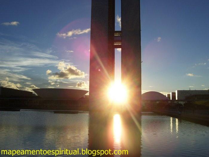 Por do sol do dia 21 de abril. Brasília Mapeamento Espiritual