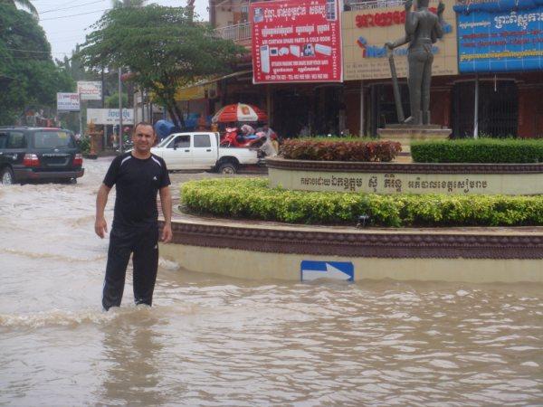 Camboja - A cidade tomada pelas águas.