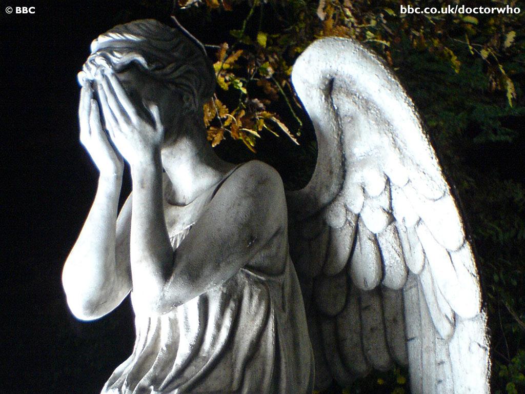 http://1.bp.blogspot.com/_0qDkrG58Psw/TKRHc8ma4XI/AAAAAAAADNg/xytYo8_hCvY/s1600/Weeping_Angel_Wallpaper_jbd6.jpg